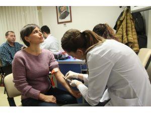 Konak'ta Vatandaşlar Sağlık Taramasından Geçirildi