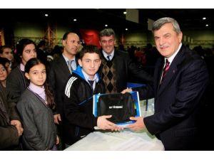 27 Bin 180 Öğrenci Daha Tablet Bilgisayarlarına Kavuşuyor