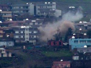 Cizre'de Şiddetli Patlama! 'Temizlendi' Zannedilen Bölgeden Ateş Açıldı