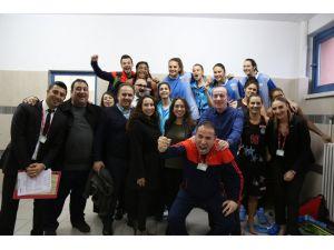 Adana ASKİ 15 sayı geriden gelip maç kazanmanın sevincini yaşıyor