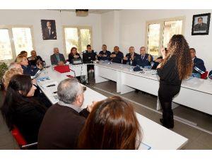 Seyhan Zabıtasına 'İşaret Dili' Eğitimi