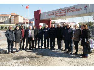 Tutuklu gazetecilere CHP Kocaeli'nden destek: Hukuk herkese lazım olacak