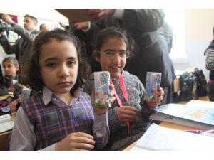 Öğrenciler eğitimin ikinci yarısına süt ile başladı