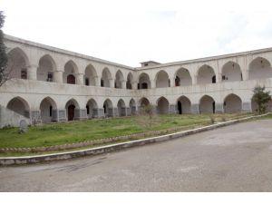 Kerkük'teki 153 yıllık 'Osmanlı Kışlası' yıkıldı