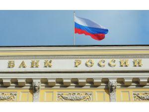 Rusya'da döviz borçluları Merkez Bankası önünde eylem yaptı
