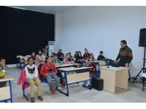 Yunusemre'den Çocuklara Sinema Keyfi