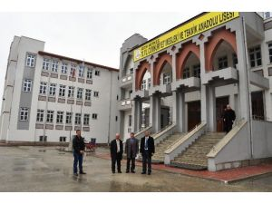 70.yıl Cumhuriyet Mesleki Ve Teknik Anadolu Lisesi Yeni Binasına Taşındı