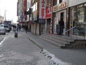Sur'un Tarihi Gazi Caddesi'nde Sokağa Çıkma Yasağı