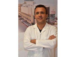 Opr. Dr. Özdemir: Boğaz ağrıları birçok rahatsızlığın habercisi olabilir