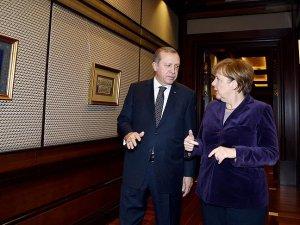 Merkel'in Türkiye ziyareti Alman basınında geniş yer aldı