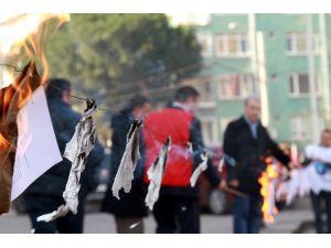 Okul idarecileri uygulanmayan mahkeme kararlarını ateşe verdi