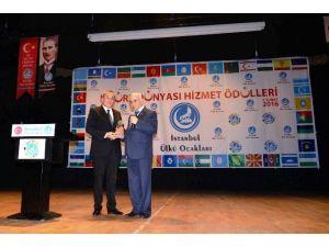 Emektar Gazeteci Sallı'ya Türk Dünyası Hizmet Ödülü