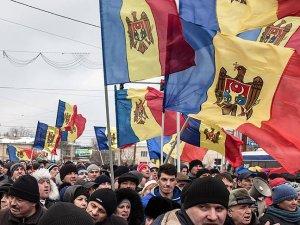 Moldova'da muhalefet Hakimler Yüksek Konseyi binasını bastı