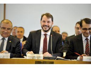 Berat Albayrak: Elektrik dağıtım şebekesinde dünya beşinciyiz