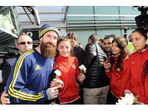Fenerbahçe kafilesi Diyarbakır'a geldi