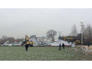 Nilüfer'de tarım alanlarındaki kaçak yapılar yıkıldı