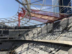 Vodafone Arena'da çatı blokuna membran serme işlemi başladı