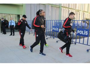 Galatasaray İzmir'e geldi