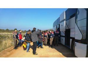 50 Suriyeli Göçmeni Yunanistan'ın Midilli Adası Diye Ayvalık'ın Pateriça Yarımadası'na Bırakıp Kaçtılar