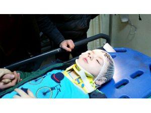 Okulu Çıkışı Otomobilin Çarptığı Çocuk Yaralandı