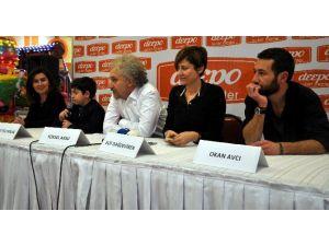 Antalya'da 'İftarlık Gazoz' Filmi Galası Yapıldı