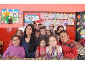 Hülya Öğretmenin Bitlis Kids'i Sosyal Medyada Fenomen Oldu