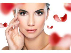 Sevgililer Günü Hediyelerinde Yeni Trend: Botoks Ve Dermal Dolgu