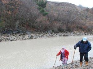 Yaşlı Çift, 43 Gündür Kayıp Torunlarını Arıyor