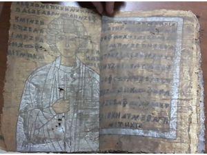 Eskişehir'de Tarihi İncil Ele Geçirildi