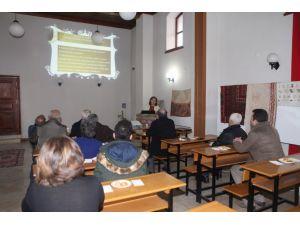 Tarihi konakta Türk dili ve edebiyatına hizmet eden vakıflar anlatıldı
