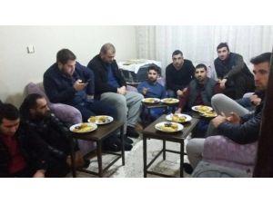 AK Gençlerden Üyelere Ziyaret