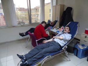 SGK Personeli Kan Bağışı Kampanyasına Katıldı
