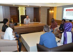Başkan Gürlesin'e PAÜ'lü Yabancı Öğrencilerden Ziyaret