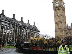 İngiltere 9 yılda 3 bine yakın genç sığınmacıyı sınır dışı etti