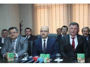 CHP'li Belediye Başkanı Ve 2 Meclis Üyesi AK Parti'ye Geçti