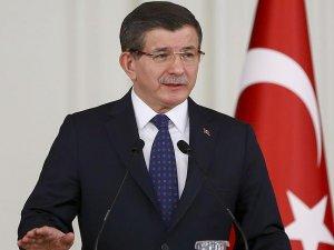 Başbakan Davutoğlu: Türkiye'ye 'sınırlarını aç' tavsiyesi iki yüzlülüktür