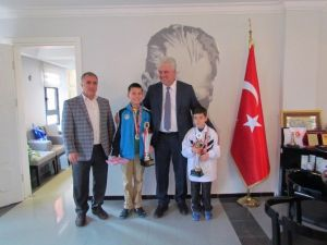 Başarılı Satranççılardan Dalgıç'a Ziyaret