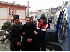 Atatürk'e Hakaret Ettiği Ve Annesini Dövdüğü İddia Edilen Şahıs Tutuklandı