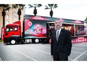 """Vodafone """"4Bucakg"""" Tır'ının İlk Durağı İzmir Oldu"""