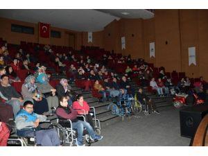 Engelli Vatandaşlar SGM'de 'Bolt'u İzledi