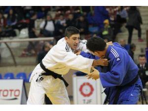 Türkiye Judo Şampiyonası'na Büyükşehir Damgası