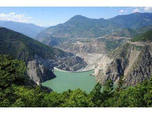 Deriner Barajı Enerji Üretimi 3,5 Milyar Kwh'yi Geçti