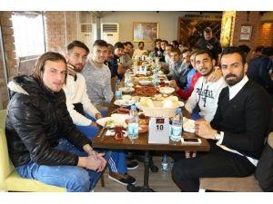 Büyükşehir Belediyespor'a Kahvaltı Morali