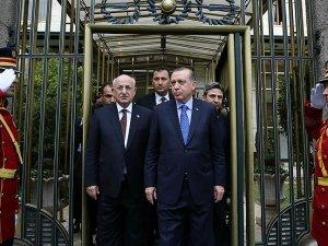 Erdoğan'dan TBMM Başkanı Kahraman'a ziyaret