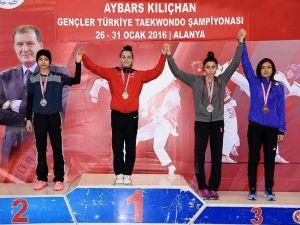 Türk Tekvandosuna 'Yıldırım' Damgası