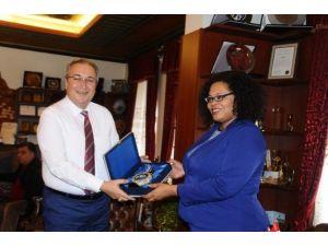 ABD Büyükelçiliği Basın Baş Katibi Gwyn, Ünver'i Ziyaret Etti