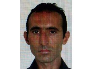 Eski MİT Yöneticisinin Anne Ve Babasını, Yeğenleri Silahla Vurarak Öldürdü