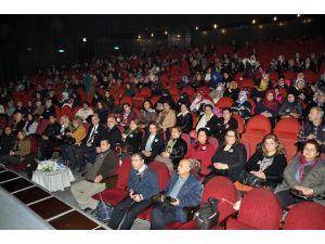 Tarsus'ta Özgecan Aslan anısına konferans düzenlendi
