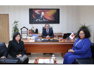 ABD Büyükelçiliği Halkla İlişkiler Bölümü Baş Katibi Gwyn, Nehü'yü Ziyaret Etti