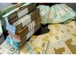 Azerbaycan'da dolar güne 1,5745 manattan başladı